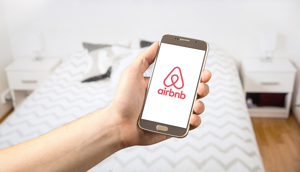 Airbnb Vs Hotels: Which is best for you?