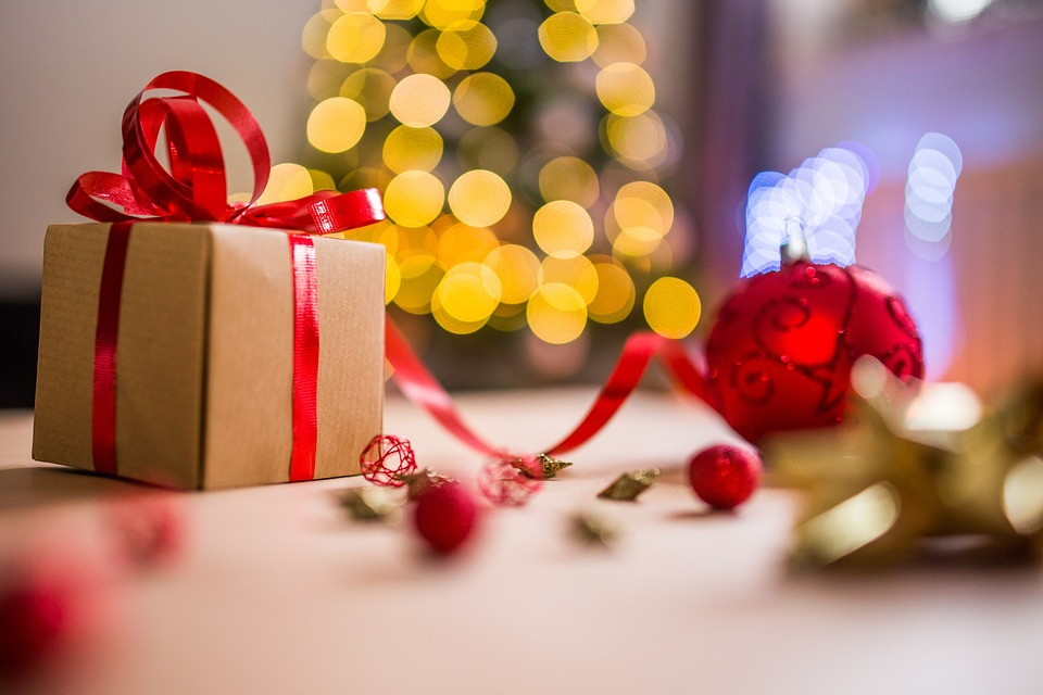 Create Your Own Travel Gifts This Christmas